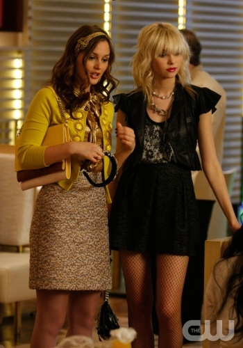 Blair Waldorf wearing the Jennifer Behr Vintage Gold Knot Headwrap